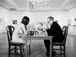Julian_Wasser_Marcel_Duchamp_and_Eve_Babitz_Hilton_Asmus_Contemporary