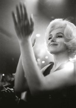 Julian_Wasser_Marilyn_Monroe_at_the_Golden_Globes_Hilton_Asmus_Contemporary
