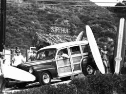 Julian_Wasser_Surf_Hut_Malibu_1962_Hilton_Asmus_Contemporary