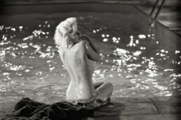 Lawrence_Schiller_Marilyn_Monroe_Something_s_Got_To_Give_Back_View_1962_000010_Hilton_Asmus_Contemporary